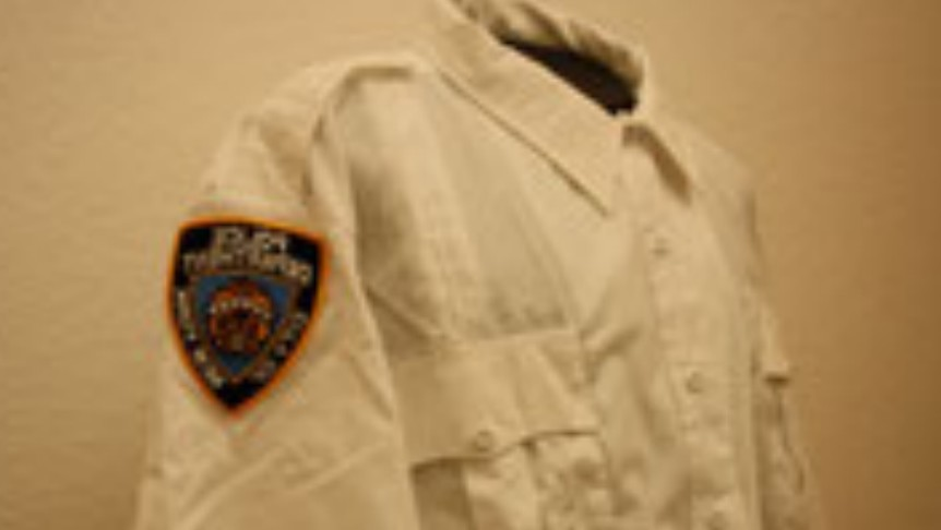 NYPD Lieutnant Langarm