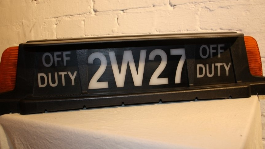 Dachschild NYC Cab